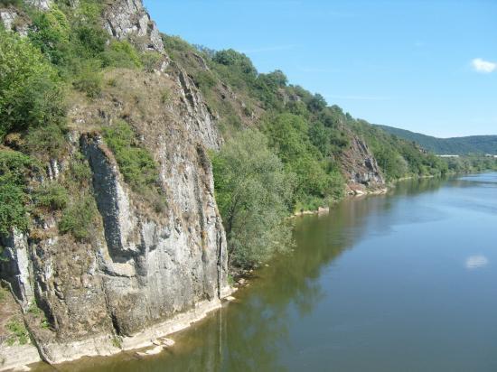 Falaise de Ham sur Meuse.