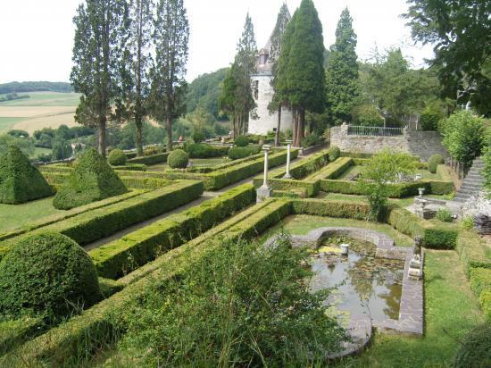 Jardin du Château de Hierges.